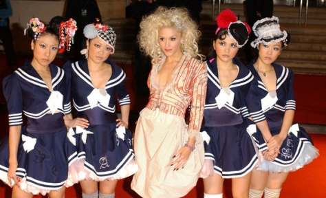 harajuku-girls-gwen-stefani-sailir--large-msg-134261110171